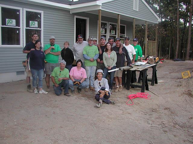 Volunteers-Habitat-for-Humanity