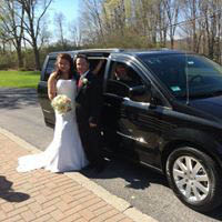 Hire a limo and driver for your wedding, graduation, birthday party, prom or wine tasting event