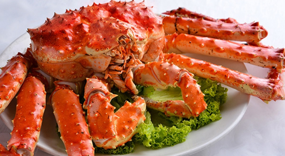 Succulent whole king crab dinner