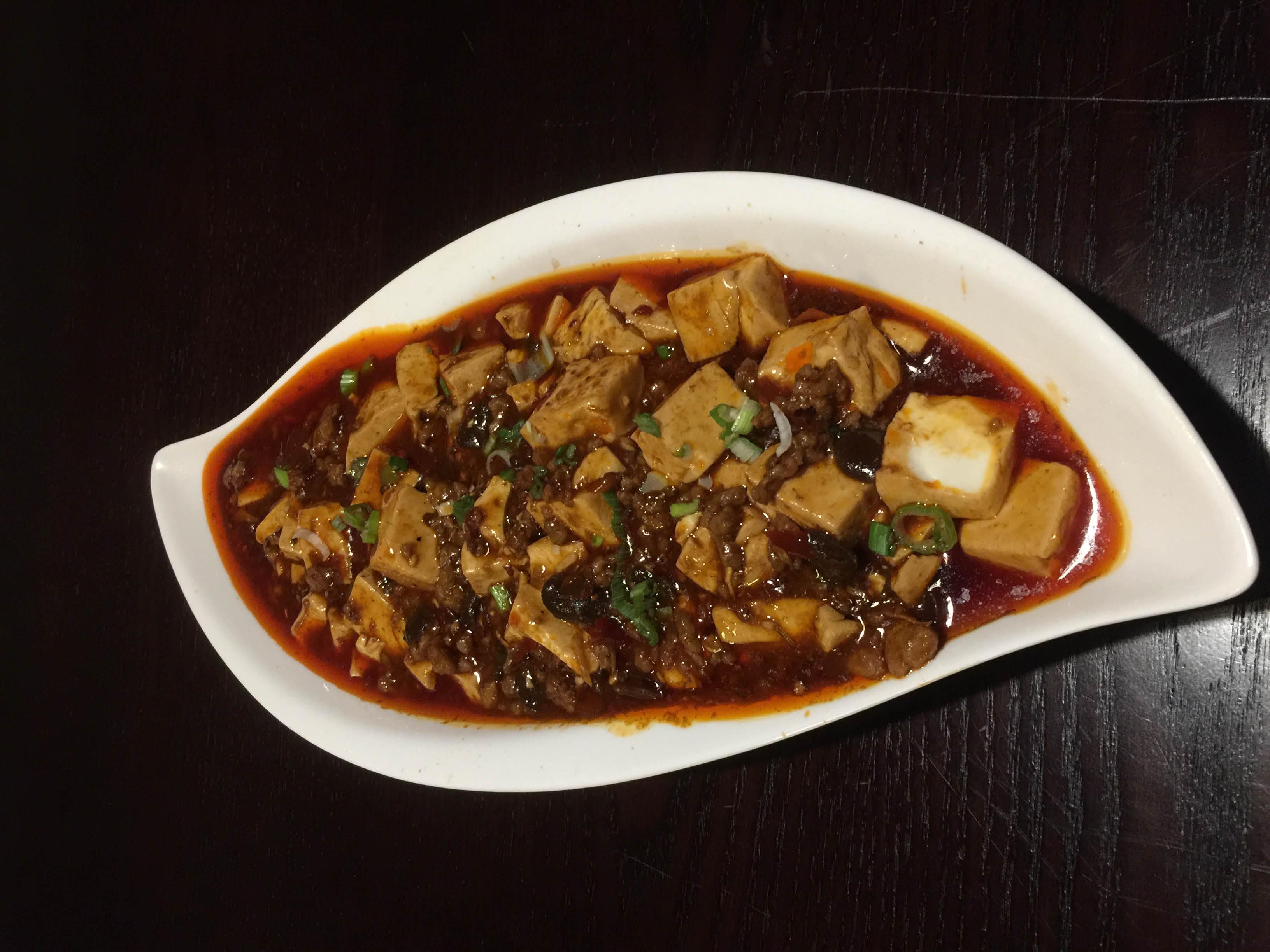 Hunan- and Mandarin-style, Chinese food dishes