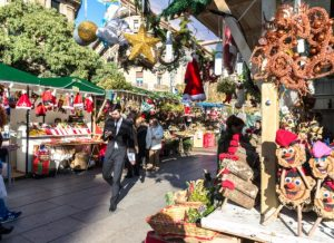 5 Ways Local Business Can Compete and Win During the Holidays