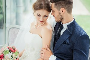 8 Engaging Wedding Advertising Tips for Vendors